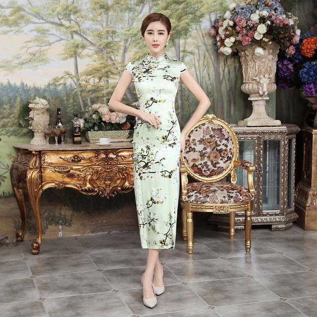 柔软旗袍面料,亲肤舒适,典雅复古花纹,更添韵味.