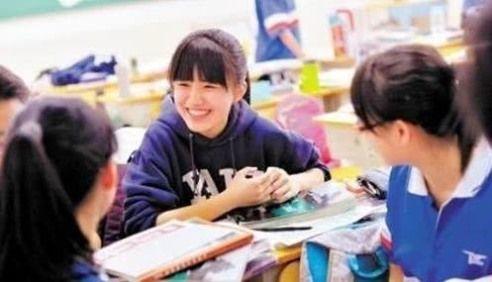 """她被同学称为""""钢铁战士"""",托福成绩将近满分,外国名校抢着要"""