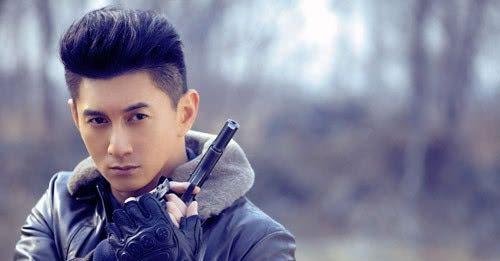 <b>吴奇隆婉拒合影请求,却被网友质疑是故意立人设</b>