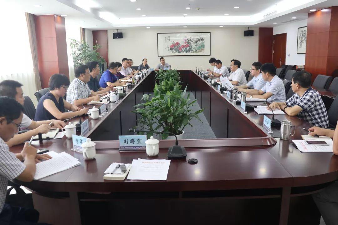 8月13日上午 如东县政协主席陈建华,如东县政府副县长杨晶晶,如东县
