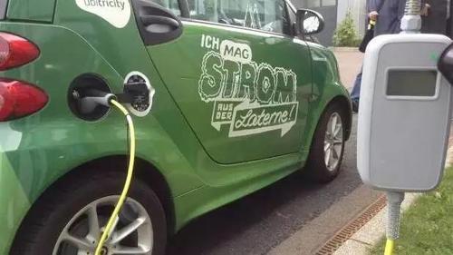 路灯杆变身充电桩,以后电动汽车再不愁充电了