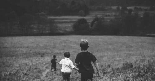心理学家:骨子里没有教养的孩子,普遍具有这三点特征