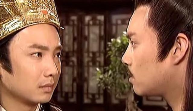 一个是朱标是马皇后的儿子,这是嫡子,另一个最重要的原因是,朱