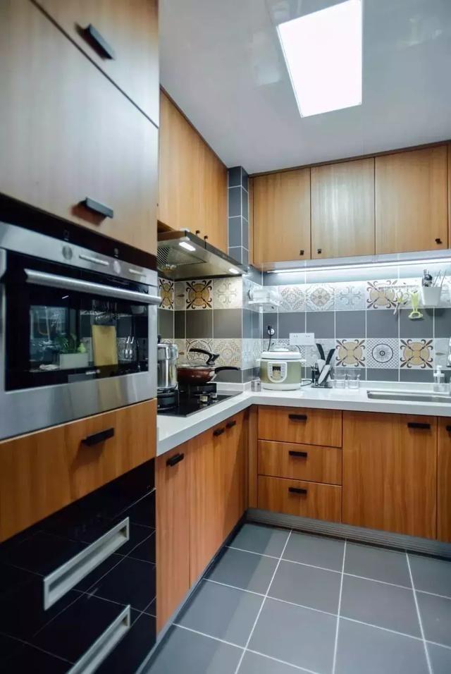 让你家厨房大方又舒适的原木色橱柜,不多了解一下吗?-家居窝