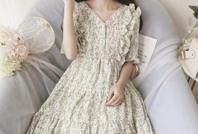 新学期开学,你会穿哪一件公主裙,测你最近有多少追求者?