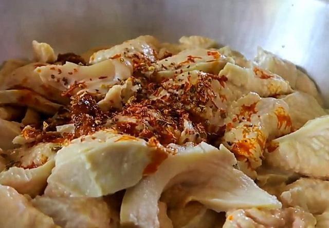 红烧猪咪咪_因此,国内基本上没有人吃猪咪咪,泰国人能够把它当做美食,真让人不得