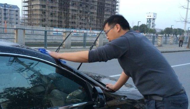 汽车到底该不该洗?不用按时间核算,看某些零件脏不脏就行了