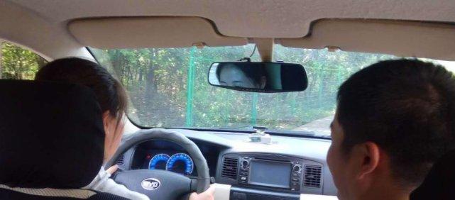 <b>为啥车越开打火越困难?老司机:去修车店亏了,都是小毛病</b>