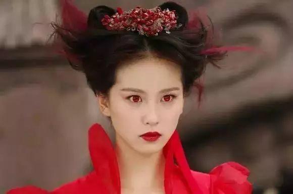 女星古装红衣红唇,赵丽颖霸气,唐嫣调皮可爱!你喜欢哪