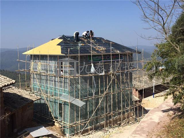 推荐 正文  建筑层数:两层 建筑风格:简欧 建筑结构:轻钢结构 屋顶