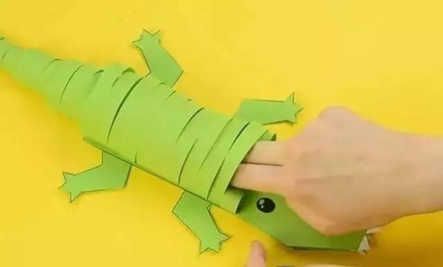 幼儿手工--卡纸鳄鱼的手工制作教程