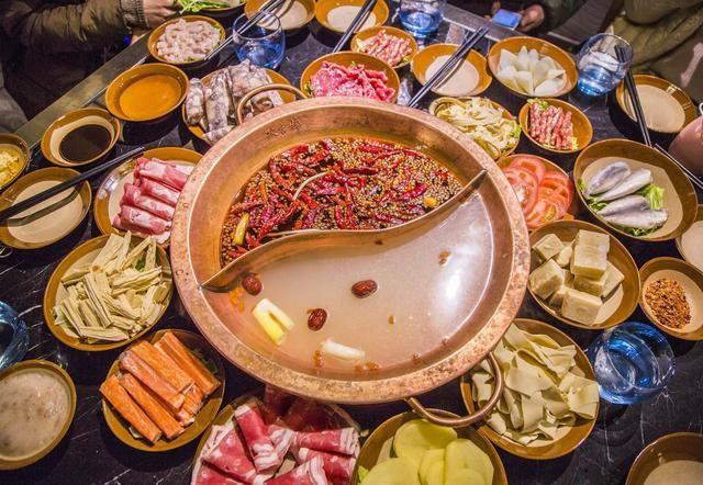 聪明人吃火锅,通常不点这4种菜,老板:一看就是资深吃货
