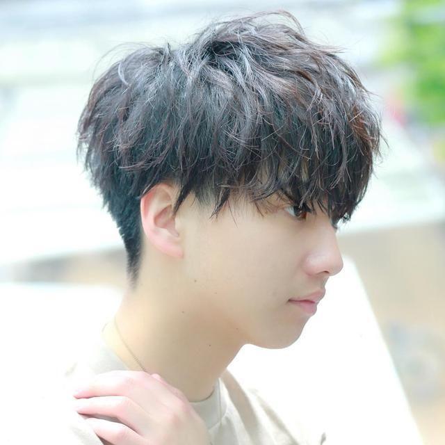 天冷了男生头发别再铲光了,换个纹理发型感觉帅多了!图片