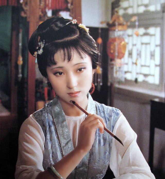 <b>极致敬业的演员,林黛玉、张国荣因剧抑郁,而他对自己动刀</b>