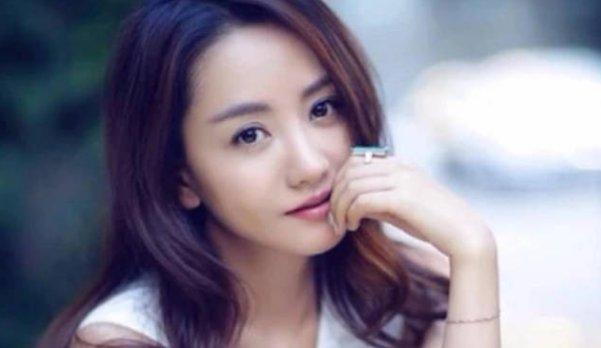 <b>怎么捧都不红的4位明星,杨蓉杨雪上榜,第4位最让人心疼</b>
