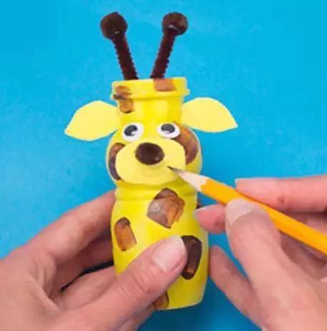 酸奶瓶diy小动物,可以培养孩子绘画技巧
