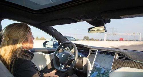 汽車智能技術發展方面