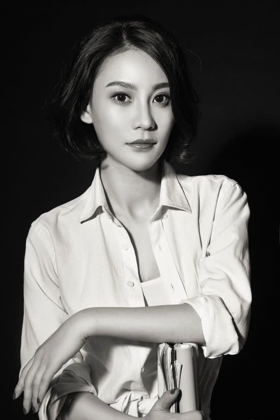 在《我是特种兵之火凤凰》中饰演沈兰妮.