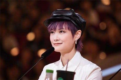 李宇春谈中国好女人:经得起平凡,把a女人变成一情趣提高怎么父亲图片