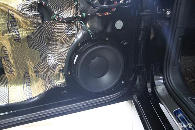 18款大众迈腾汽车音响改装丹拿大众定制版套装 安装部位解析