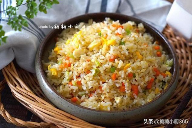 剩米饭不冷冻,让蛋炒饭也能粒粒分明又美味营养,原来关键在这里