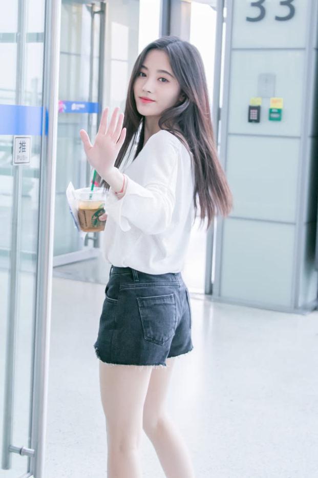 甜美俏皮小姐姐,人气偶像团snh48 鞠婧祎,有没有美到你呢?