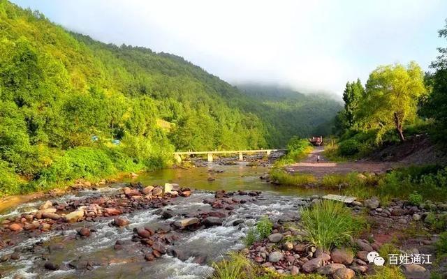 松溪乡地处高山峻岭,海拔400-1624米,森林覆盖率高达70%.