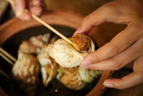 """平民价吃山珍海味!佛跳墙、碗仔花胶健康""""抵食""""!秋风起来这暖暖胃吧"""