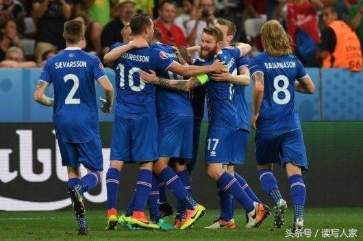 冰岛男足世界排名在2015年的7月份曾经攀升到第23位.