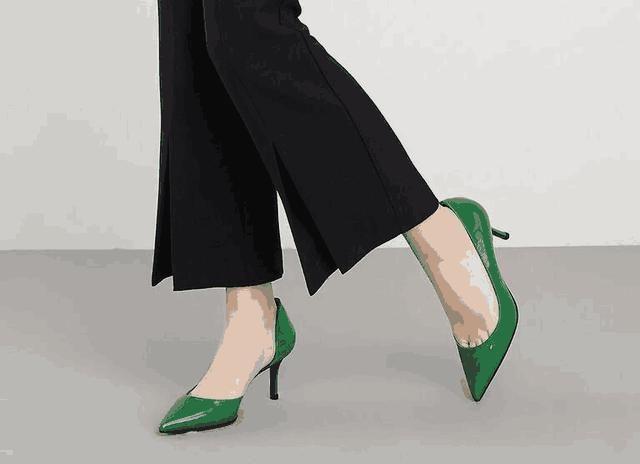 高跟鞋之于女人就像绿叶之于花朵