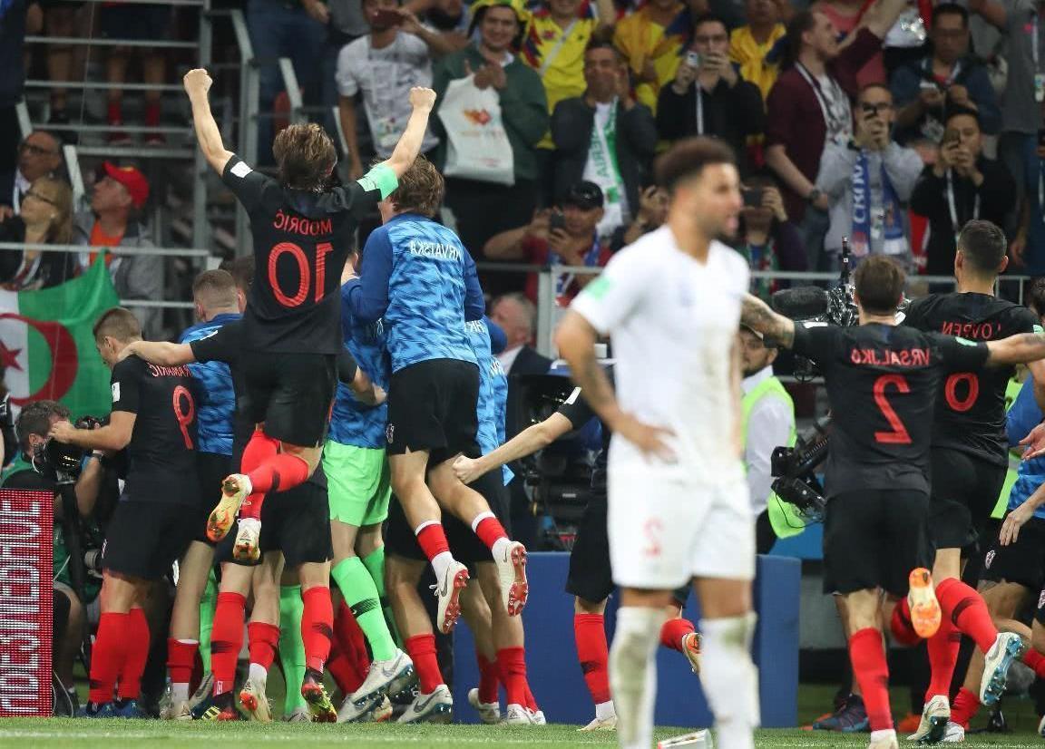 国家足球队以相反的方向击败了克罗地亚,但现