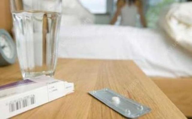 孕药后月经量少_注意:如果服用紧急避孕药后超过3周月经仍未来,则需注意是否妊娠.