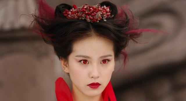 古装剧中并非只有传统的黑发美人,这些女子一头红发各有千秋
