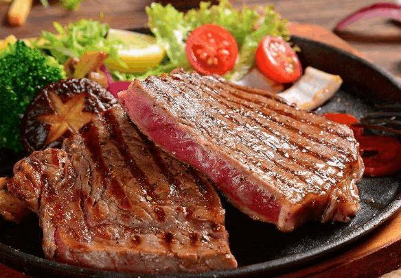 西餐厅里吃牛排,服务员问你几分熟,这样说会让