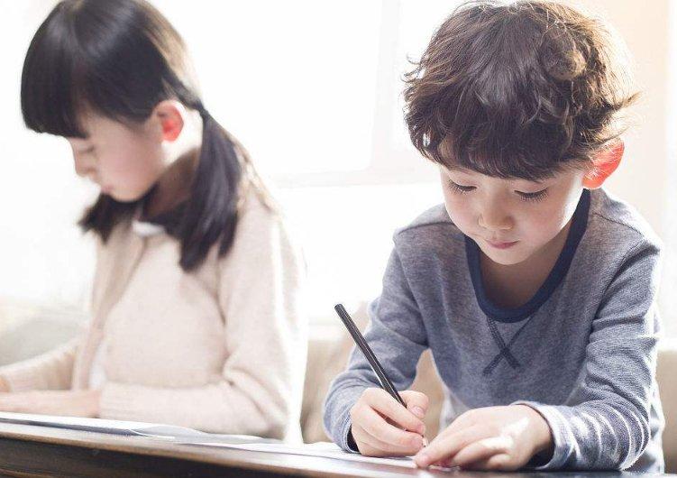 不要逼孩子在家里学习 换一种育儿理念吧