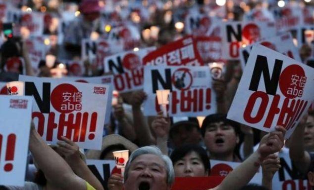 """韩国正式反击!日本也被移出""""安全白名单"""",日韩贸易战持续恶化"""