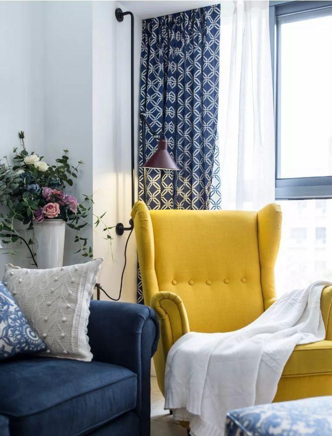 欧式灰色沙发配窗帘