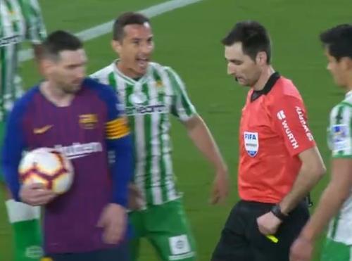 巴萨4-1大胜皇家贝蒂斯:梅西罚球时守将说不用怕结果糗大了!