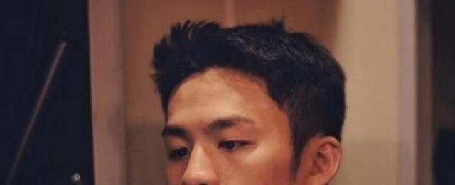 《亲爱的热爱的》除了韩商言圈粉无数,他因喜欢嗑瓜子被观众喜欢