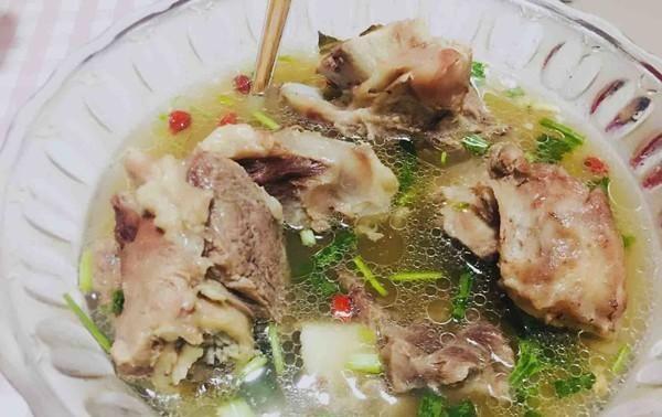 """它是""""天然土人参"""",一年四季都得常吃,炖汤喝家人不生病身体好"""