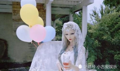 娱乐 正文  对于芭比娃娃相信很多女孩子都喜欢,曾经的年代如果看到谁
