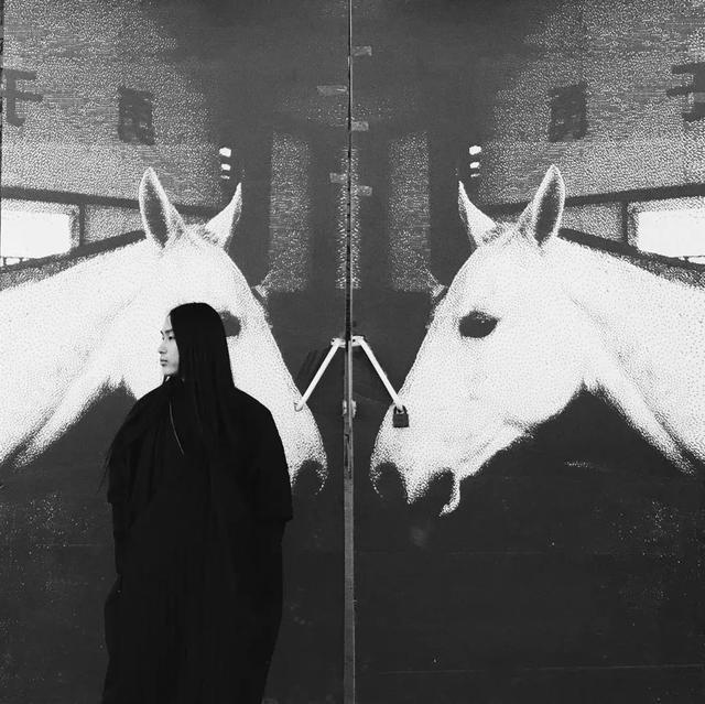 论人体摄影的道德性与艺术性