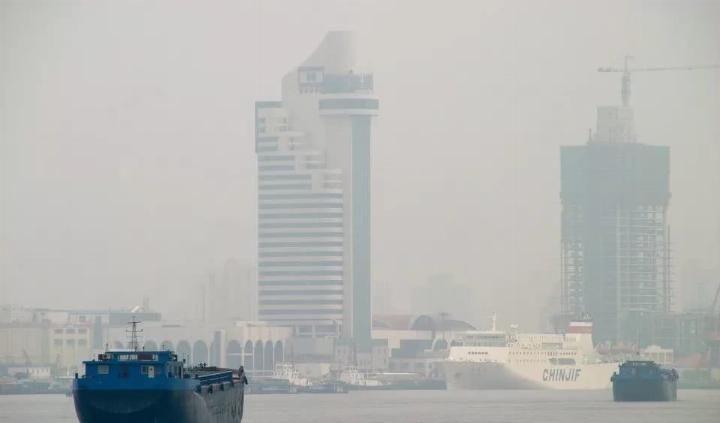 JAMA:空气污染加速严重肺病风险,相当于每天抽3包烟!
