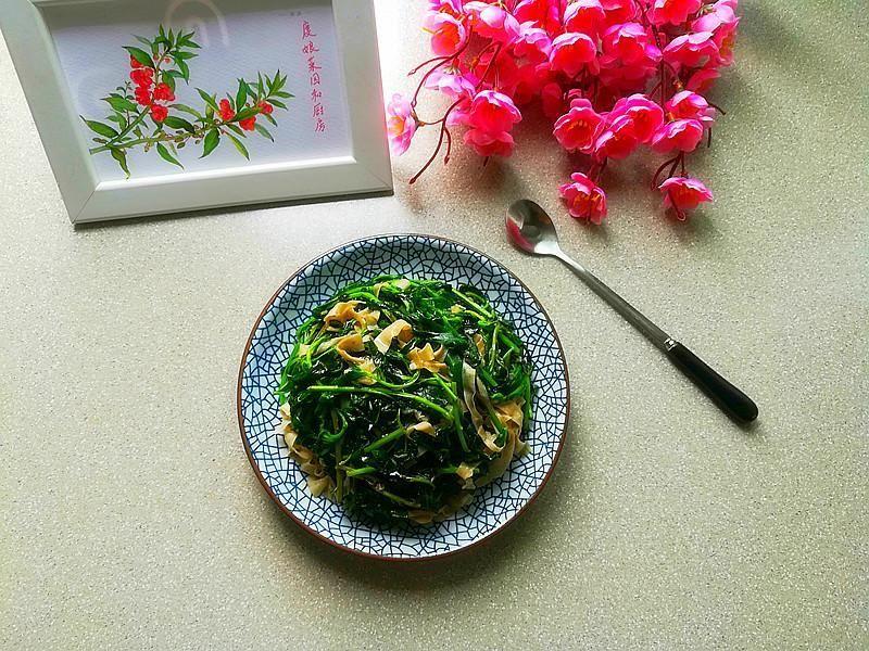 立夏女人吃这野菜最好,比灰灰菜好吃百倍,还能