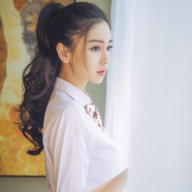 女星侧颜谁最美?郑爽热巴美艳,刘亦菲高圆圆齐名,她堪称完美