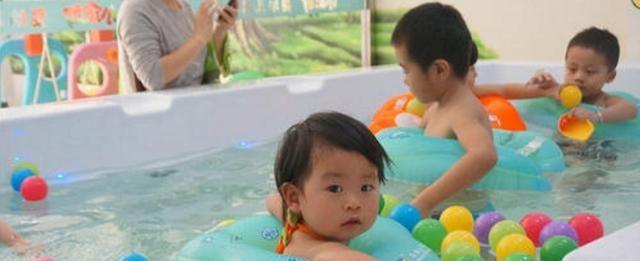 孩子语言表达能力差?快到婴儿游泳馆吧