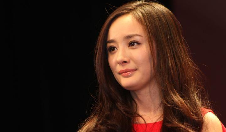 杨幂赵丽颖后又一女星成收视率女王,网友:多年媳妇熬成婆!