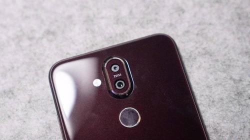 蔡司双摄挑战旗舰 诺基亚新款X7手机开箱评测