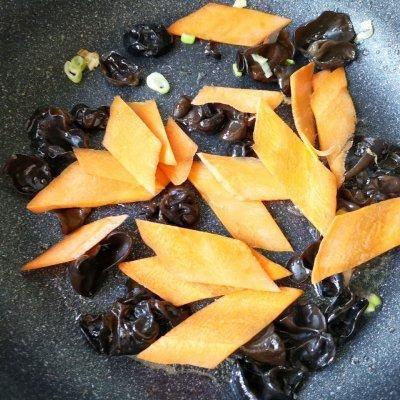 好吃不过家常菜--菜谱肉#硬核木须制作人#羊肚菌炖鸡放几个羊肚菌图片