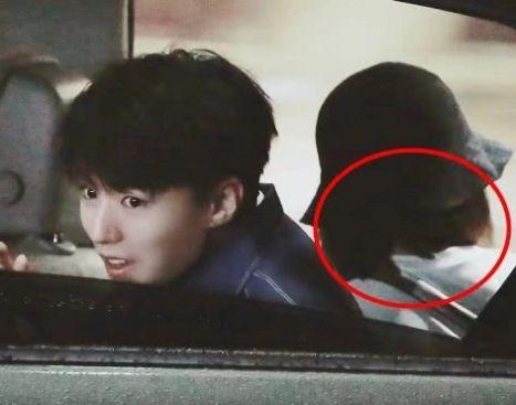 王俊凯看清录快本,副v女生却坐个女生,开车正脸香水用女生淡图片